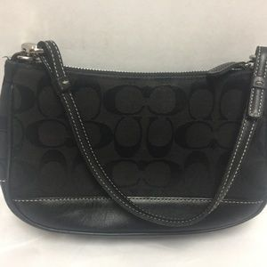 COACH Purse Black M22-6094 Signature Logo Leather